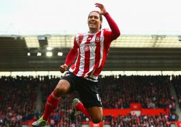 SOUTHAMPTON, ENGLAND - OCTOBER 17:  Virgil van Dijk of Southampton celebrates scoring his team's second goal during the Barclays Premier League match between Southampton and Leicester City at St Mary's Stadium on October 17, 2015 in Southampton, England.  (Photo by Jordan Mansfield/Getty Images)