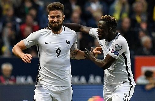 Защитник сборной Франции Варан был удалён споля после подсказки видеопомощника судьи