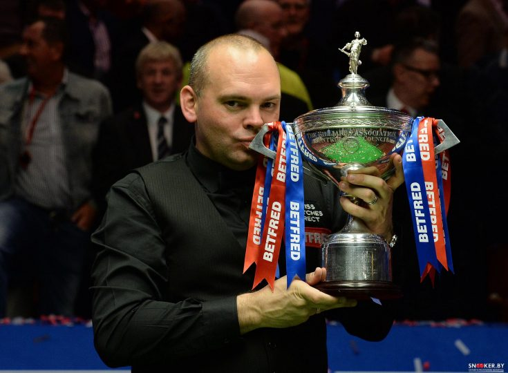 stuart%20bingham%20pic%203%20world%20snooker%20champion%204-5-15%20pa%20submitted[1]