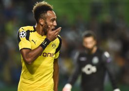 Dortmund's Gabonese forward Pierre-Emerick Aubameyang celebrates after scoring during the UEFA Champions League football match Sporting CP vs BVB Borussia Dortmund at the Jose Alvalade stadium in Lisbon on October 18, 2016. / AFP / PATRICIA DE MELO MOREIRA        (Photo credit should read PATRICIA DE MELO MOREIRA/AFP/Getty Images)